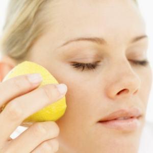 Come curare l'acne naturalmente