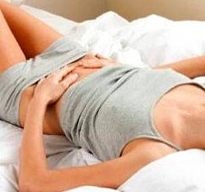 Immobilizzazione di reparto cervicale di una spina dorsale legittima e colletto di garza