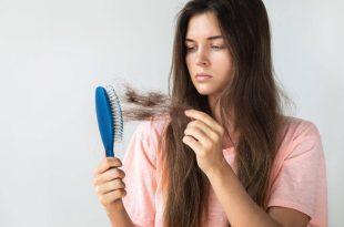 esistono lozioni utili per contrastare la caduta dei capelli e stimolare la crescita, in particolar modo le lozioni a base di arginina, zinco e vitamina b5
