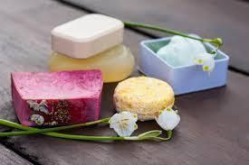 cosmetici senza packaging per evitare un impatto ambientale negativo