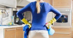 bruciare calorie facendo pulizie: unire l'utile al dilettevole