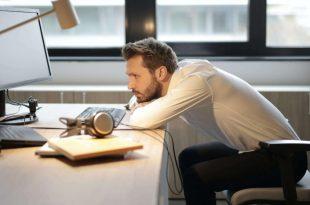 La corretta postura in ufficio: 3 consigli utili