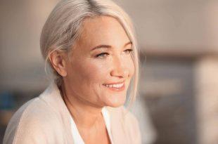 Consigli utili per rassodare la pelle dopo i 50 anni