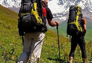 Attrezzatura per escursioni in montagna
