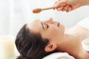 il miele è un ottimo alleato di bellezza per la nostra pelle